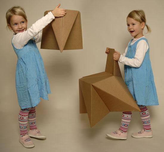 Lacný detský nábytok z kartónu