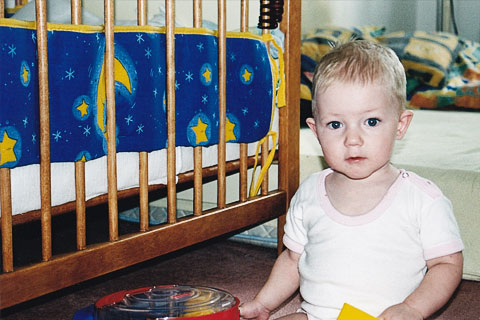 Spokojný Samko v detskej izbičke