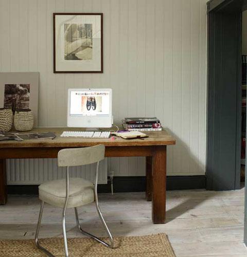 stary nabytok - stôl